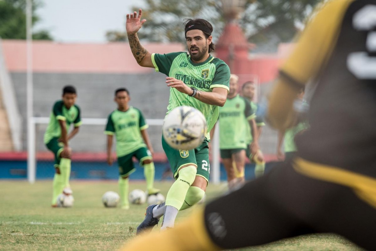 Aryn Williams saat jalani sesi latihan, Selasa (8/10/2019) di Stadion Gelora Delta Sidoarjo.